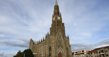 Catedral de Pedra - Nossa Senhora de Lourdes